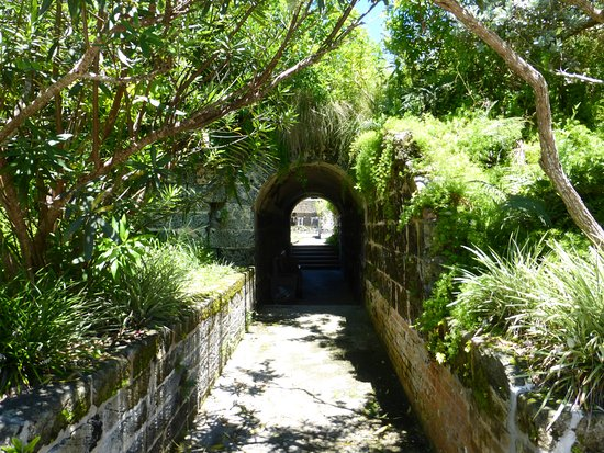 Hamilton, Bermuda: Defensive Tunnel