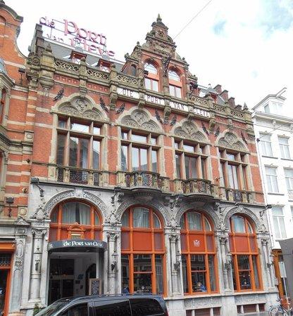 Die Port van Cleve: Fachada (vista del frente del hotel desde la calle)