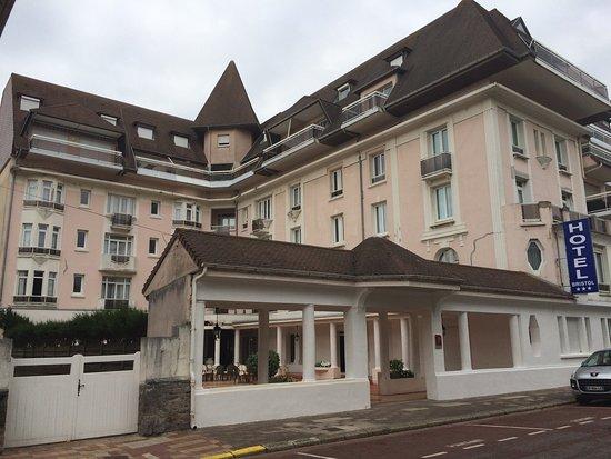 호텔 브리스톨