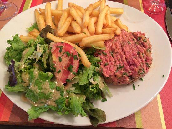 Au Petit Suisse: Croque monsieur e tartare de boeuf