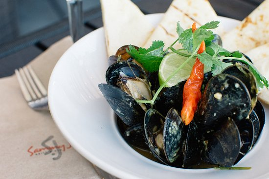 Surrey, Canada: Panang Curry Mussels