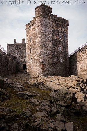 Kilsyth, UK: Blackness Castle