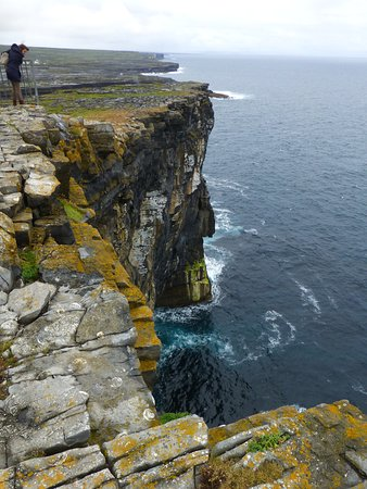 Radharc na Ceibhe: Falaises d'Inish Mor