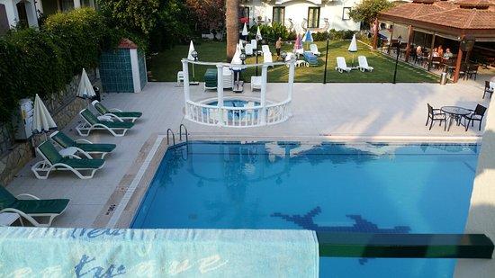 Oykun Hotel: 20160722_183151_large.jpg
