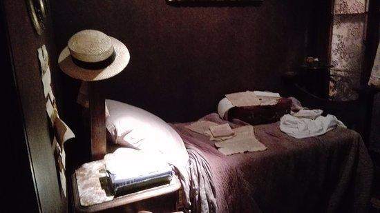 James Joyce Cultural Centre: bella ambientazione per la ricostruita camera di letto