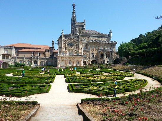 Bussaco, Portugal: הארמון והגנים המטופחים