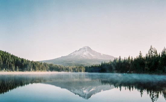 Sandy, Oregón: Only 30mins from Trillium Lake that had magnificent views of Mt Hood. ©stankwanphotos