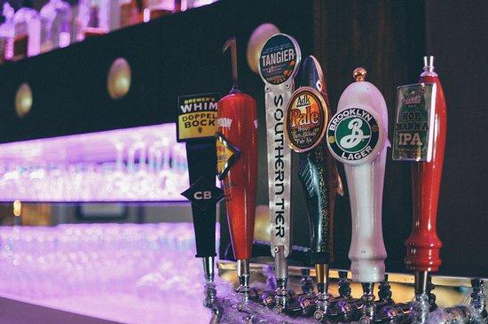 Auburn, Nowy Jork: On tap at the bar