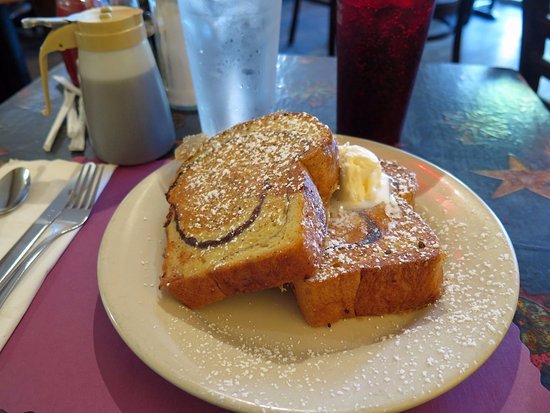 Colby's Breakfast & Lunch: Cinnamon Swirl French Toast