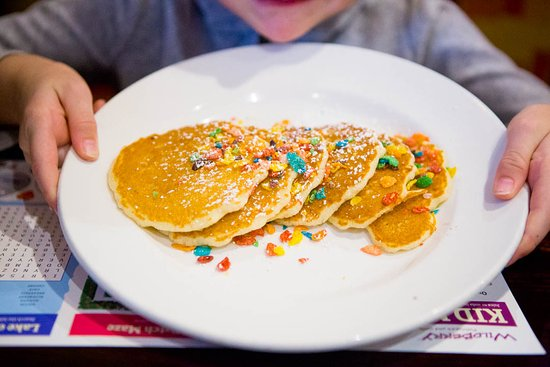Libertyville, Ιλινόις: Fruity Pebble Pancake for kids