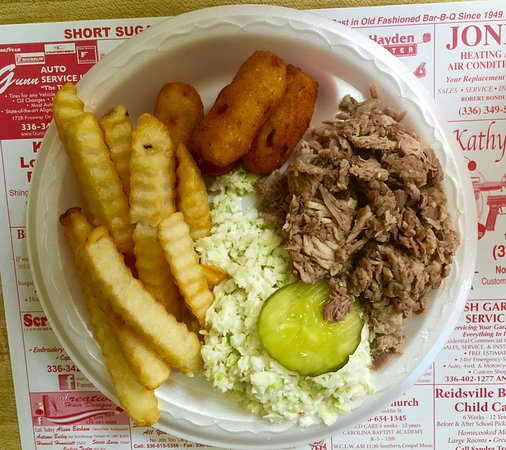 Short Sugar's Pit Barbecue: Chopped barbecue plate