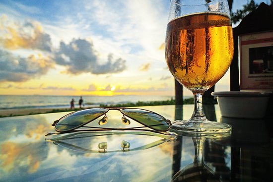 Layana Resort and Spa: Drinks in the sunset