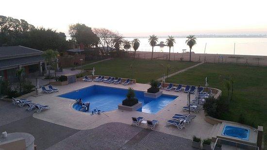 Paso de la Patria, Argentyna: Vista do quarto de casal pro Rio e Piscina