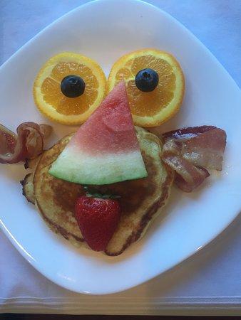 The Graham Inn: Kids breakfast!