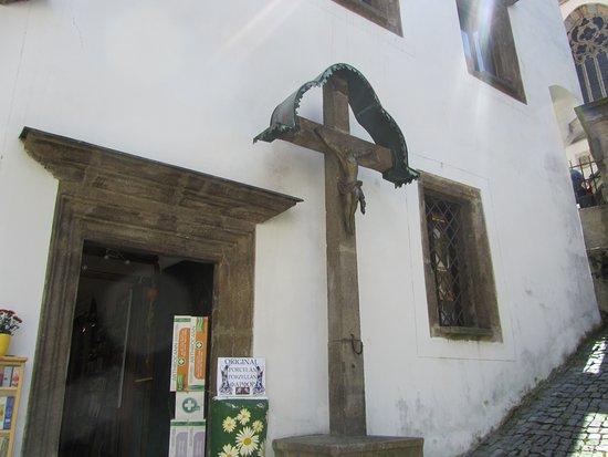 The Chaplain's House (Kaplanka) : Cruz