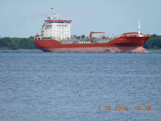 Massena, NY: Headed toward DDE Locks on the seaway.