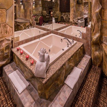 Inn of the dove bensalem 144 1 7 0 updated 2018 - Inn of the dove swimming pool suite ...
