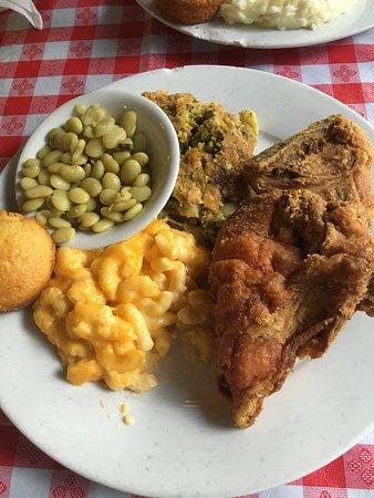 Cahill's Market & Chicken Kitchen: photo0.jpg