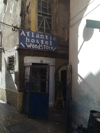 Atlantic Hostel: My best hotel in Morocco. The place feels good to stay in and meet amazing people traveling the