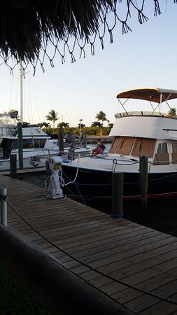 Jensen Beach, Флорида: View of the Nettles Island Marina from our outdoor table