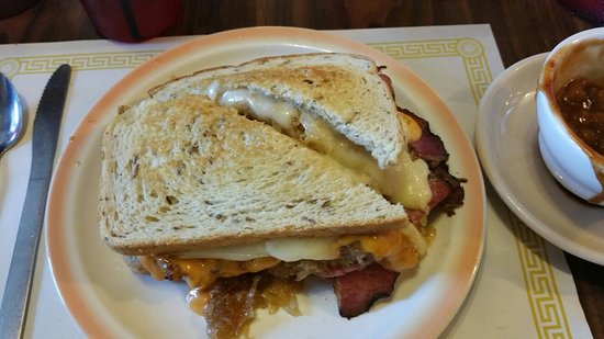 Angola, NY: Smokey Reuben to die for!