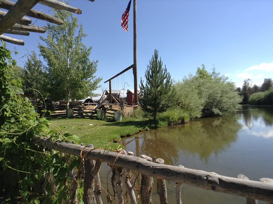 Terrebonne, OR: More of our pond and play area