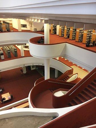Toronto Public Library: photo0.jpg