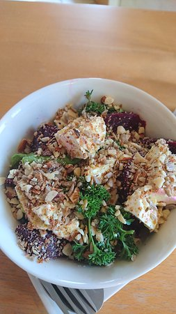Willunga, ออสเตรเลีย: beetrrot, fetta and dukkah salad