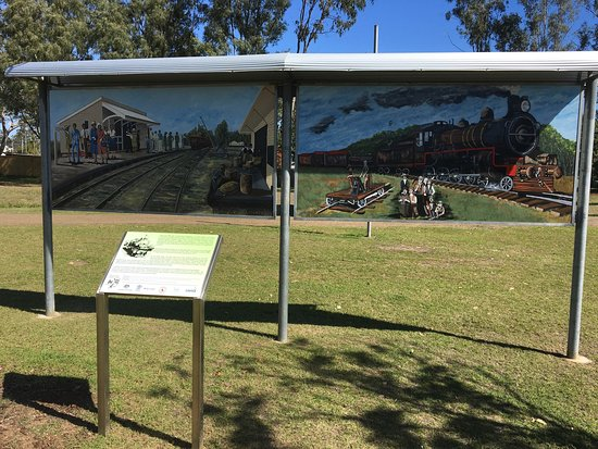 Fernvale, Australia: It's a pitty that railway not operating as a heritage line out of Ipswich