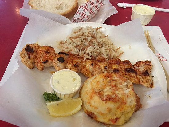 Crab Cooker Restaurant: I love how they plate their food and so good and fresh.