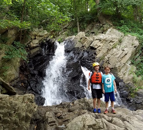 Knoxville, MD: Fun waterfall at the trips end.