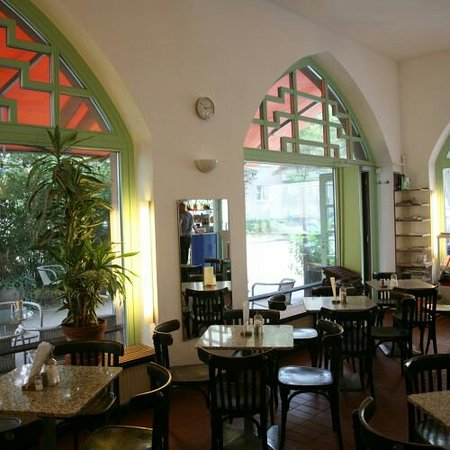 Cafe Bellevue