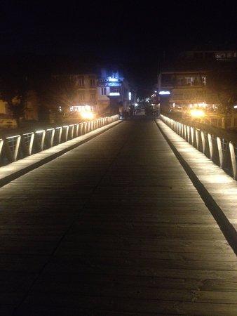 Hotel Les 2 Coteaux : vanaf een romantische brug