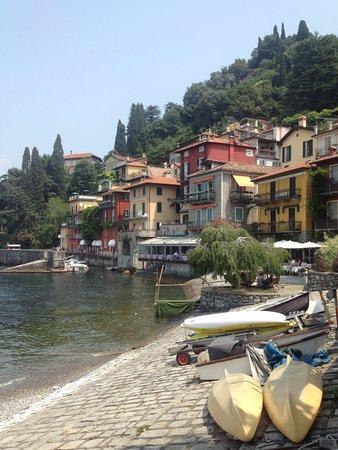 Agriturismo Castello di Vezio: Pretty Varenna