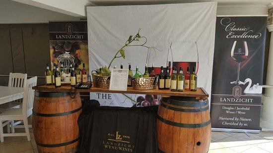 Eikenhof, Sudáfrica: Vaal route wine tasting at The Art Farm great vibe.