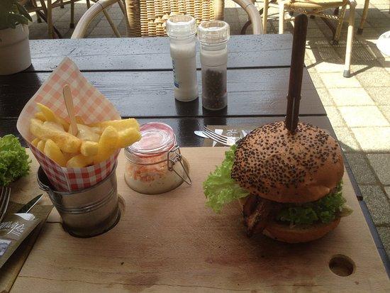 Oostburg, Ολλανδία: mooi gepresenteerde en zeer lekkere hamburger!