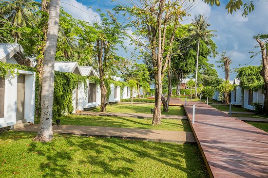 X2 Koh Samui Resort - All Spa Inclusive: Walkway - X2 Koh Samui Resort-All Spa Inclusive