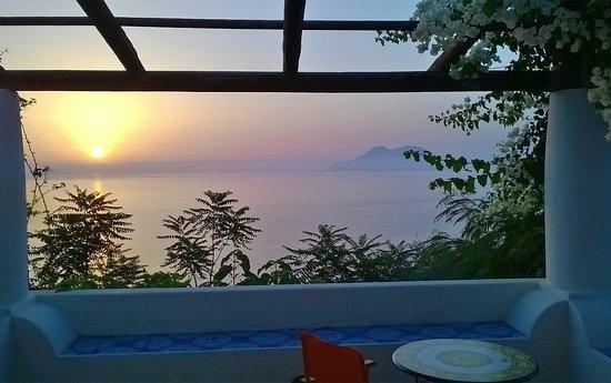 Filicudi, Ιταλία: albe e tramonti da spaccare il cuore