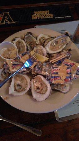 Harbor Island, ساوث كارولينا: Johnson Creek Tavern