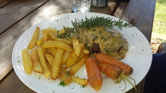 "Saint Francis Bay, Afrika Selatan: Fillet with flambe green peppercorn sauce.... over 30 years of experience making this ""simple"" d"