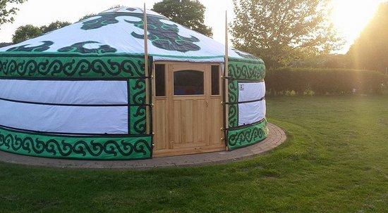 Braamt, Países Bajos: Overnachten in een prinsen en prinsessen yurt