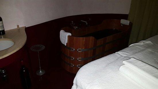 Le Tre Vaselle Resort & Spa: 20160806_190649_large.jpg