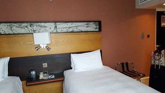 Hilton London Kensington: Standard Zweibettzimmer