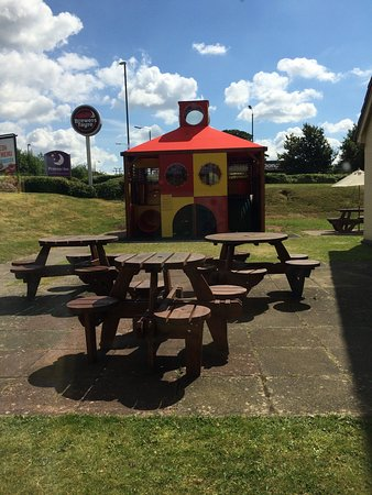 Ripley, UK: Great new play area!