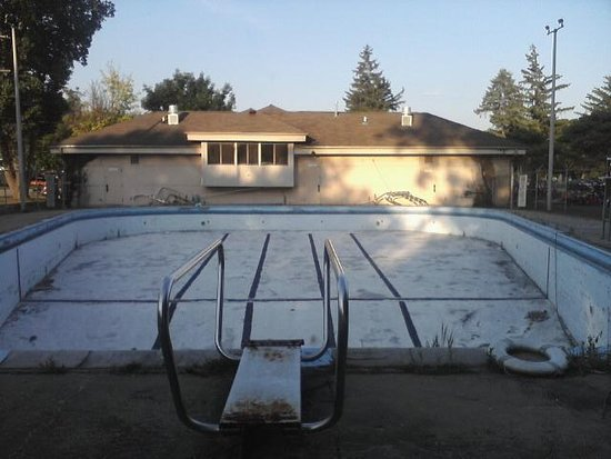 Flushing, MI: Tucker Pool is Closed