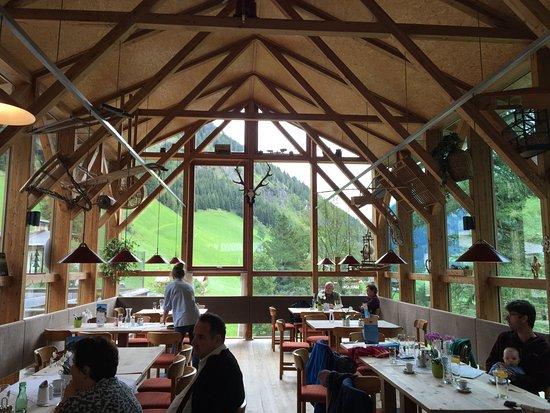 Innervillgraten, Österrike: Cibo gustoso in cornice naturale