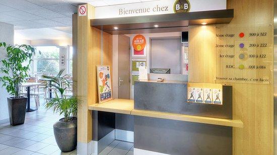 B b hotel salon de provence reviews price comparison for Hotel du theatre salon de provence