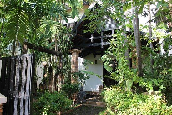 بونوين بوتيك هوتل: Eingangsbereich zum Hotel