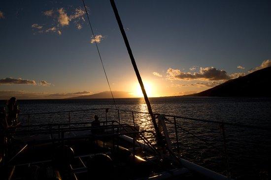 Maalaea, Hawái: Sunset off the port bow
