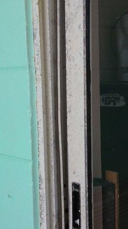 The Seascape Inn: Door from balcony